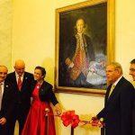 Teresa Valcarce y el retrato de Gálvez en el Senado
